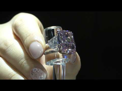'Largest' flawless pink diamond up for auction in Hong Kong