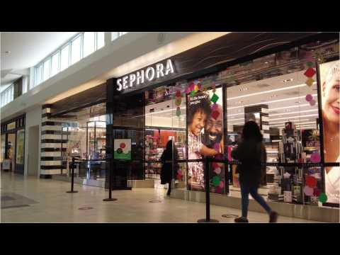 Here are 6 things employees say you should never do at Sephora