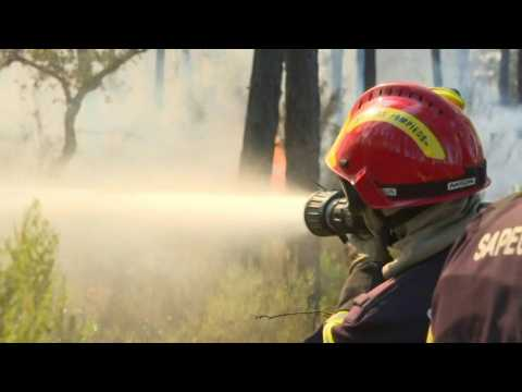 France firefighters continue to battle Riviera inferno