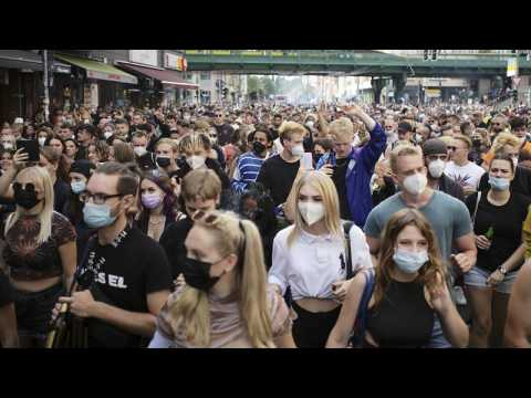 Hundreds take to Berlin streets to protest coronavirus restrictions