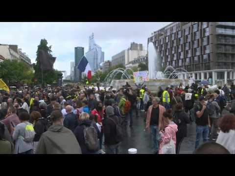 Hundreds of anti health pass demonstrators face police on Paris march