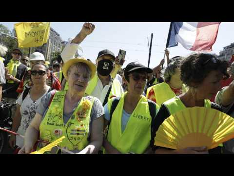 'Infringement of freedom': hundreds protest in Paris against health pass