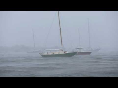 Tropical storm Henri reaches US East coast