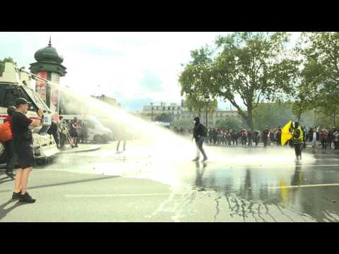 Paris: clashes on the sidelines of health pass demonstration