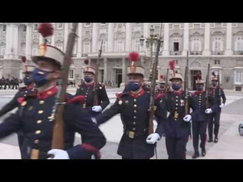 Madrid's Royal Palace recovers the solemn relief of the Royal Guard