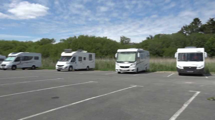 Thumbnail Camping-car : les communes s'organisent face à l'affluence