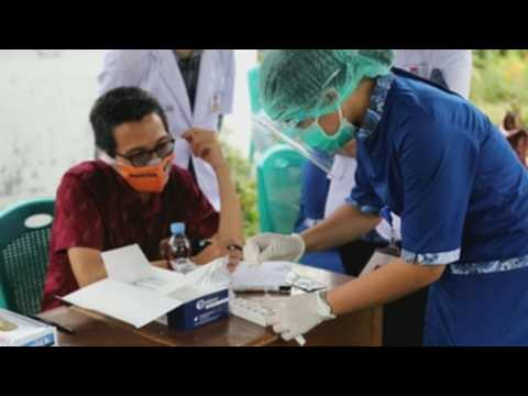 Indonesia continues its COVID-19 mass testing across country