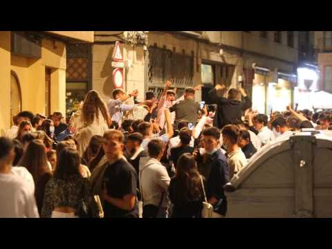 Streets of Salamanca filled another night despite pandemic