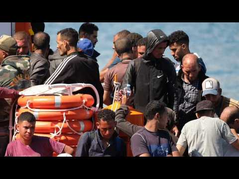 Authorities rescue 225 migrants in 6 boats in Lanzarote, Gran Canaria, Tenerife