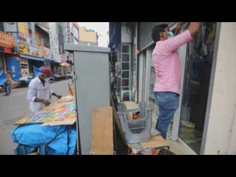 Stores in Sri Lanka reopen after the lifting of restrictions due to the pandemic