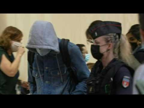 November 13: two defendants arrive in courtroom for Paris attacks trial