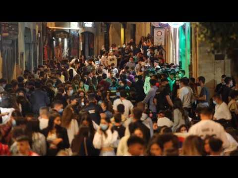 Streets of Salamanca full despite pandemic