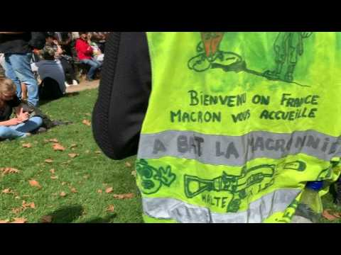 "Paris ""yellow vests"" protest Covid-19 health pass"