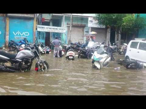 Mumbai streets flooded and waterlogged after heavy rain