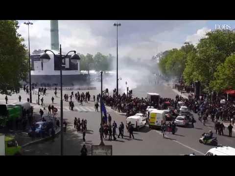 """""""Ni Macron, ni Le Pen"""" : heurts entre lycéens et forces de l'ordre"""