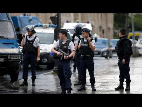 Police Officer Attacked Outside Notre Dame Cathedral