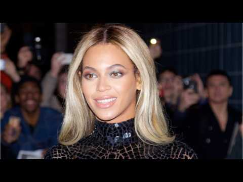 Beyonce Charms Fans With Insta Pics