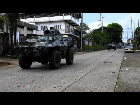 Philippine soldiers battle militants in southern city