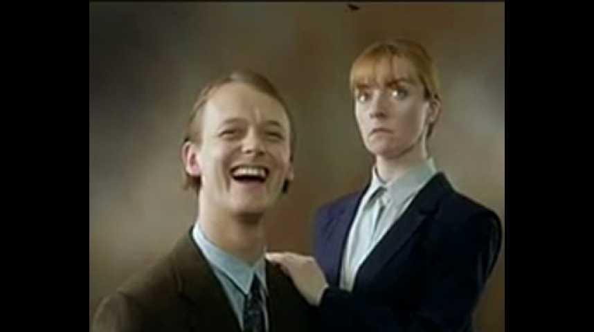 Secrets et mensonges - bande annonce - VO - (1996)