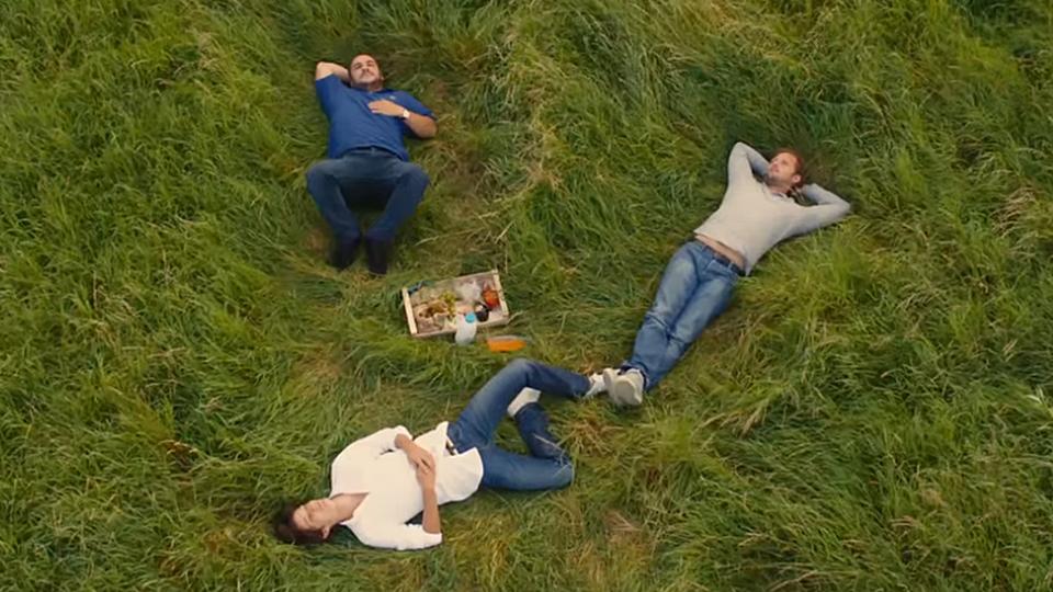 Comme des frères - bande annonce - (2012)