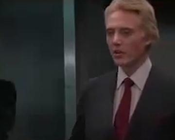 Dangereusement vôtre - bande annonce - VO - (1985)