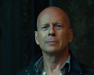 Die Hard : belle journée pour mourir - teaser - VOST - (2013)