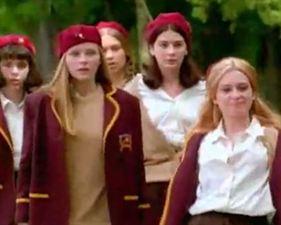 Les filles font la loi - bande annonce - VO - (1998)