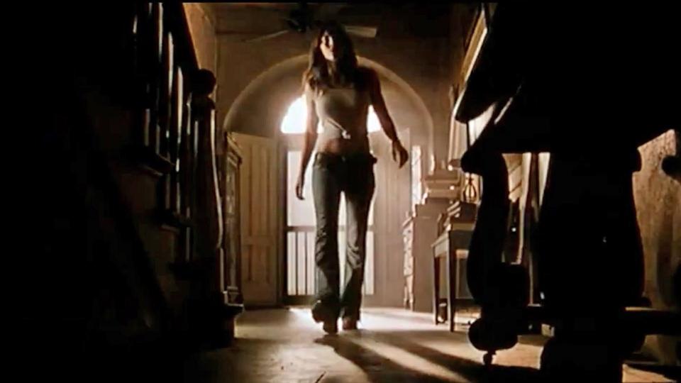 Massacre à la tronçonneuse - bande annonce - VF - (2004)