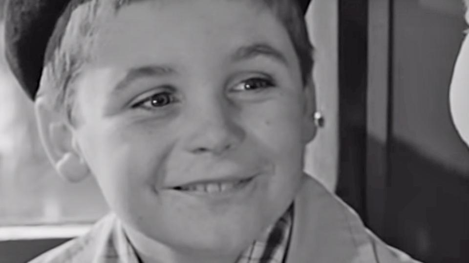 Bébert et l'omnibus - bande annonce - (1963)