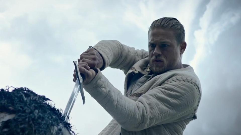 Le Roi Arthur: La Légende d'Excalibur - bande annonce - VOST - (2017)