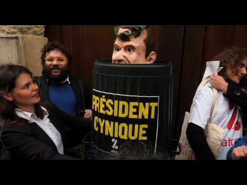 """""""La régression En Marche !"""" : quand ATTAC renomme le siège d'Emmanuel Macron"""