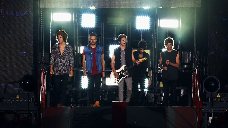 One Direction: Where We Are - The Concert Film - bande annonce - VO - (2014)