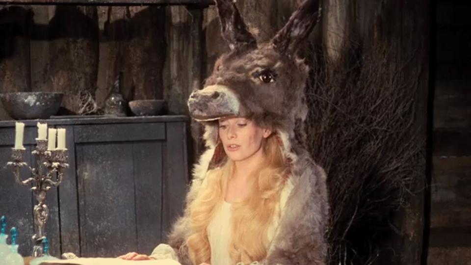 Peau d'âne - bande annonce 2 - (1970)