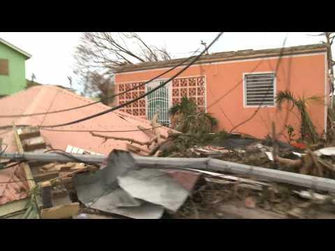 Après Irma, les premiers secours au milieu du chaos a Saint-Barth et Saint-Martin