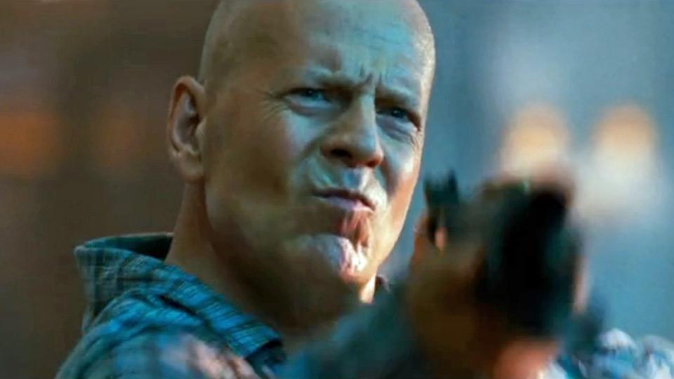 Die Hard : belle journée pour mourir - bande annonce - VOST - (2013)