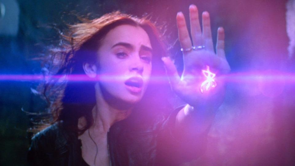 The Mortal Instruments : La Cité des ténèbres - bande annonce 3 - VOST - (2013)
