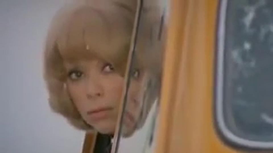 Laisse aller... c'est une valse - bande annonce - (1971)