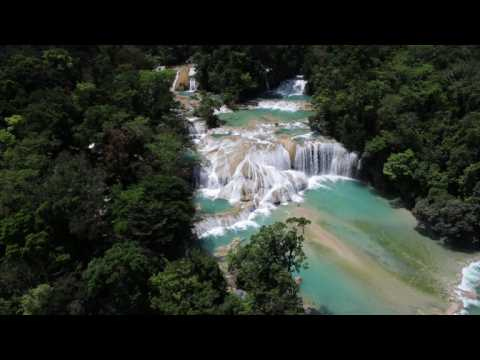 Turquoise waterfalls dry up after Mexico quakes