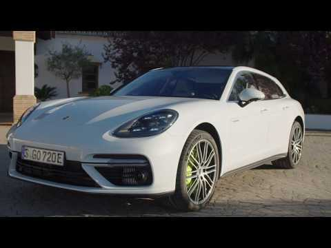 Porsche Panamera Turbo S E-Hybrid Design in Carrara White Metallic