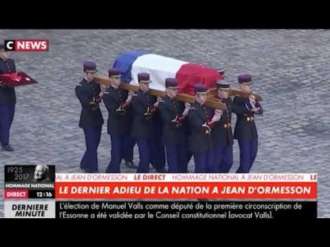 """Macron : """"Jean d'Ormesson semblait fait pour donner aux mélancoliques l'envie de vivre"""""""