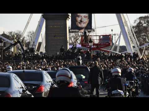700 bikers escortent Johnny Hallyday pour un ultime adieu