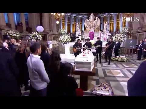 """Matthieu Chedid, Maxim Nucci et Yarol Poupaud jouent """"Je te promets"""" devant le cercueil de Johnny Hallyday"""