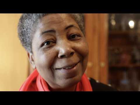 Cette mamie de 65 ans rappe contre l'esclavage