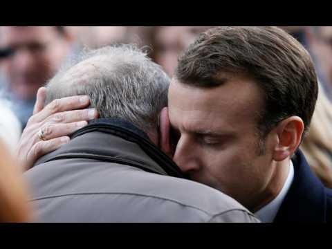 13-Novembre : Emmanuel Macron sur les lieux des attentats