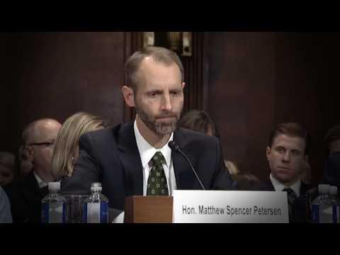 États-Unis : il devient la risée du web lors de son audition pour devenir juge