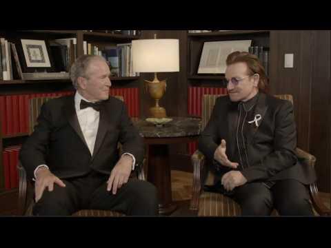 Sida : George W. Bush remet une médaille à Bono