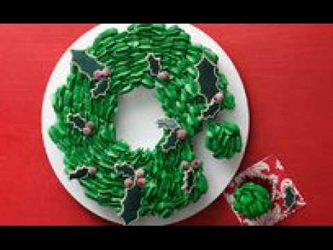 How to Make a Christmas Cupcake Wreath