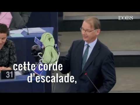 Cet eurodéputé offre une corde à Emmanuel Macron après l'avoir fustigé dans son discours