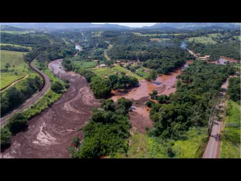Brazil Rescuers Search For Hundreds Missing After Mining Dam Burst