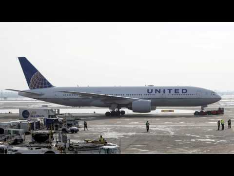Over 1,000 Flights Cancelled As Winter Weather Wreaks Havoc On The Midwest